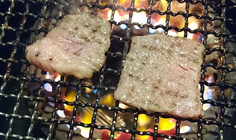牛ちゃん カルビ 焼き
