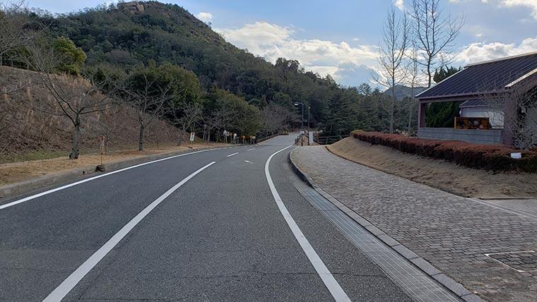 みやま公園 赤松池に行く道