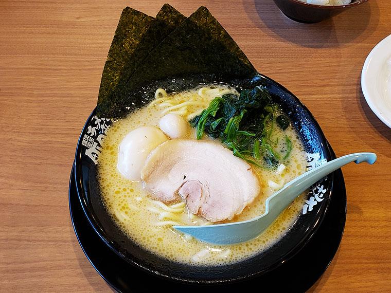 町田商店 岡山平井店 ラーメン(塩)