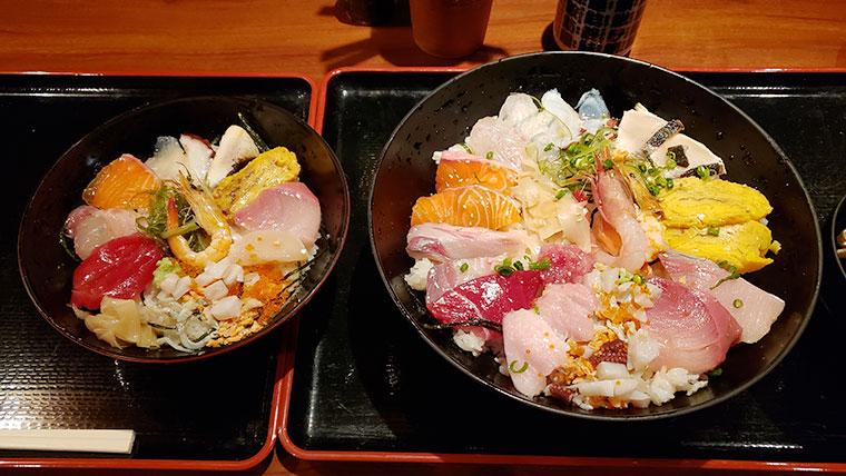 魚々市 (とといち) 海鮮丼 大きさ比較