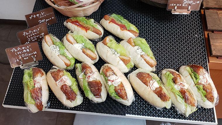 米粉パン専門店 大元工房 実穂の郷 店内