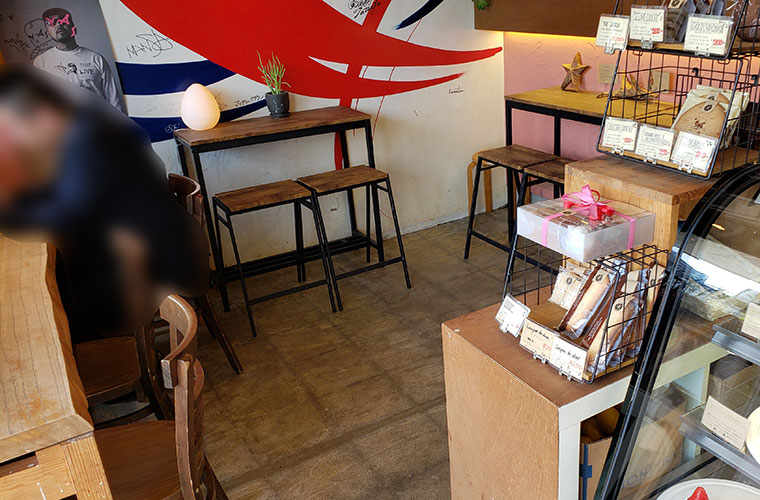 おまち堂&FRUTAS (フルータス) 店内 イートインスペース