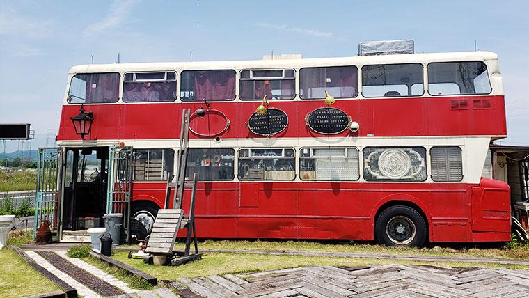 モンタギュー 店舗 外観 ロンドンバス
