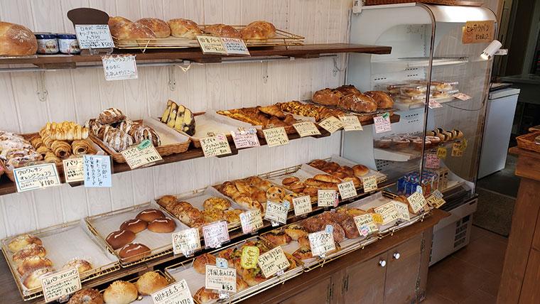 BAKERY三四郎 店内 パン