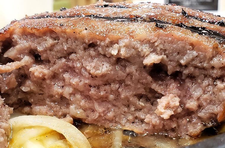 ガブリングステーキ ビーフハンバーグ 肉汁
