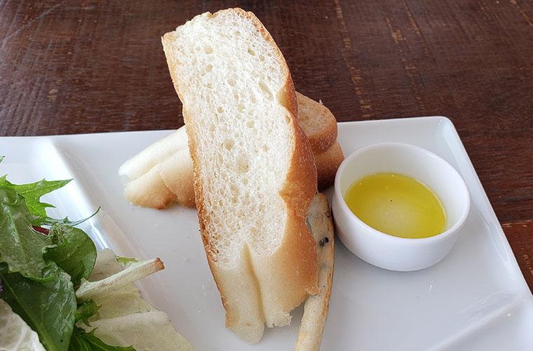 ロッサ カフェ&レストラン パン