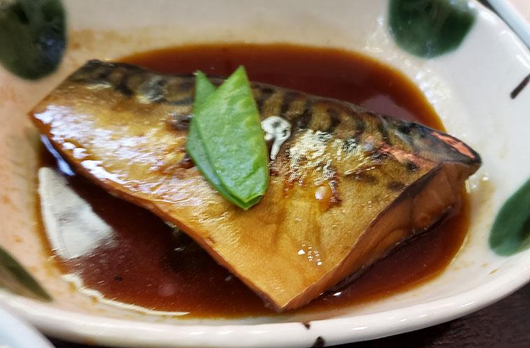 とっとんめ 煮魚